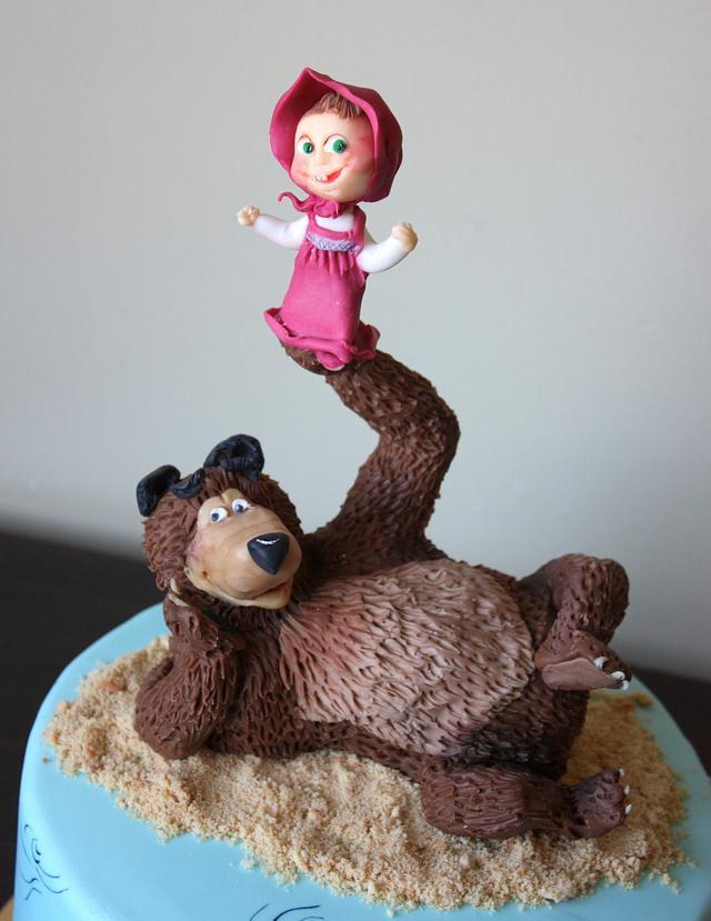 Masha and a bear cake