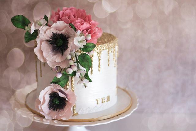 Furry golden drip cake