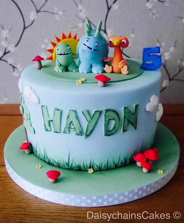 Dinopaws birthday cake