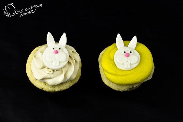 Fondant Easter Rabbit Cupcakes