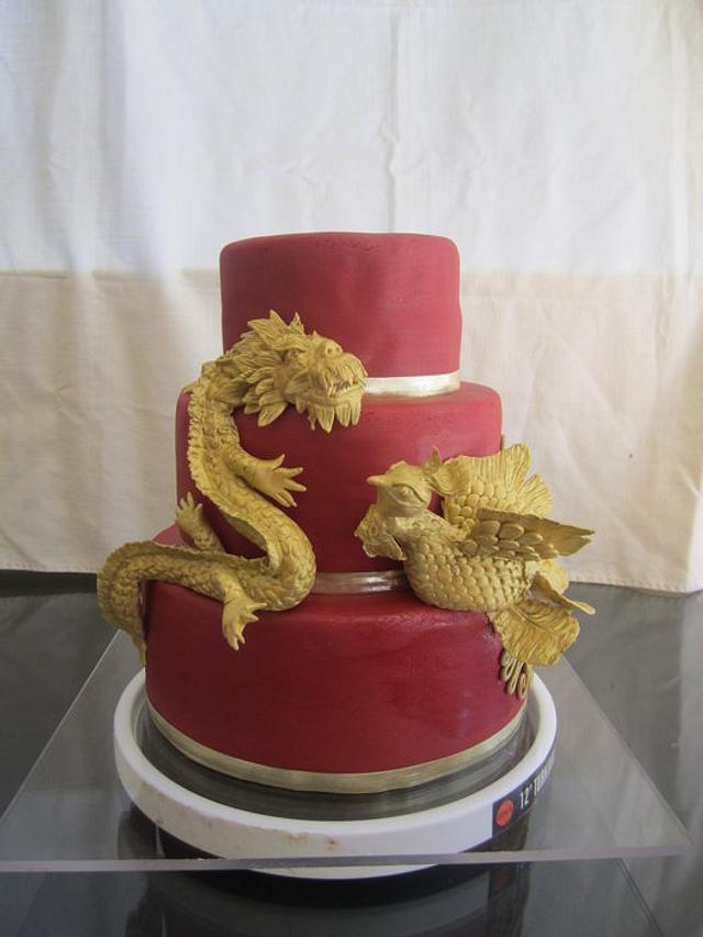 Dragon & Phoenix Wedding Cake and Cupake Display