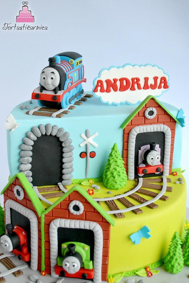 Tomas the train cake