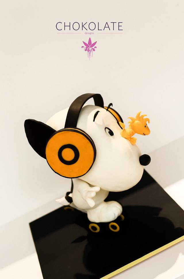 Snoopy  Peanuts - Sculpted Cake