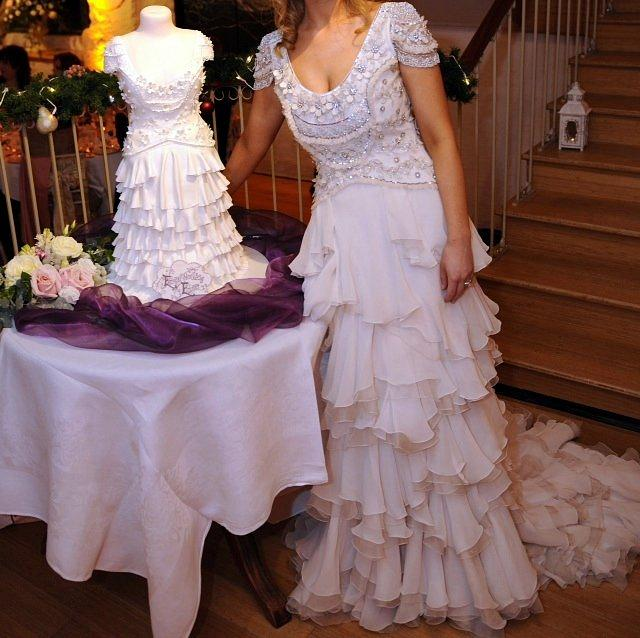 Cake replica of an Alice Temperley gown