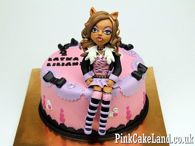 Admirable Draculaura Monster High Cake Cake By Beatrice Maria Cakesdecor Funny Birthday Cards Online Hendilapandamsfinfo