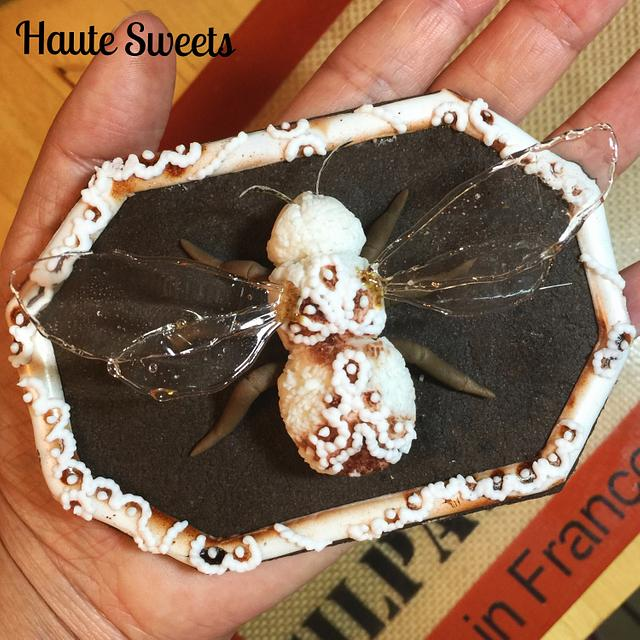 Porcelain Bumble Bee cookie