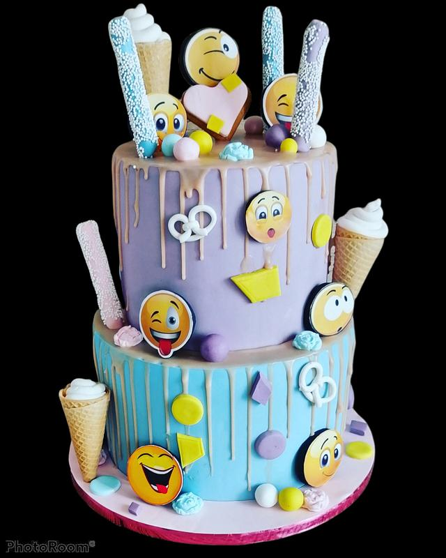 Emoticons🙄😉😲🤫🤐My new Cake