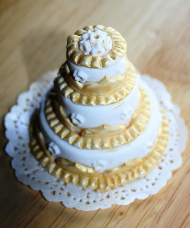mini cake gold