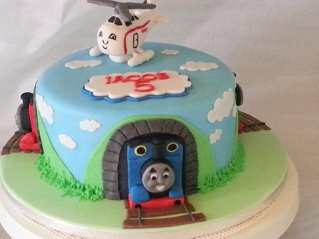 Amazing Thomas And Friends Birthday Cake Cake By Nikki Scott Cakesdecor Funny Birthday Cards Online Overcheapnameinfo
