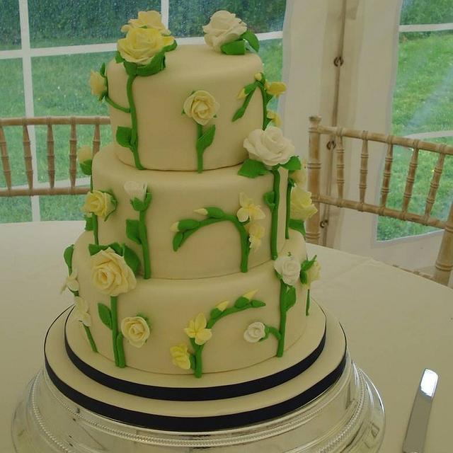 Roses & freesias wedding cake