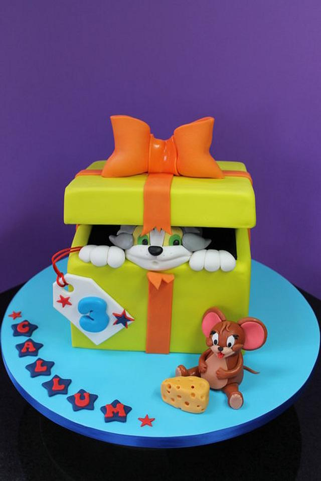 Tom & Jerry Surprise Present.