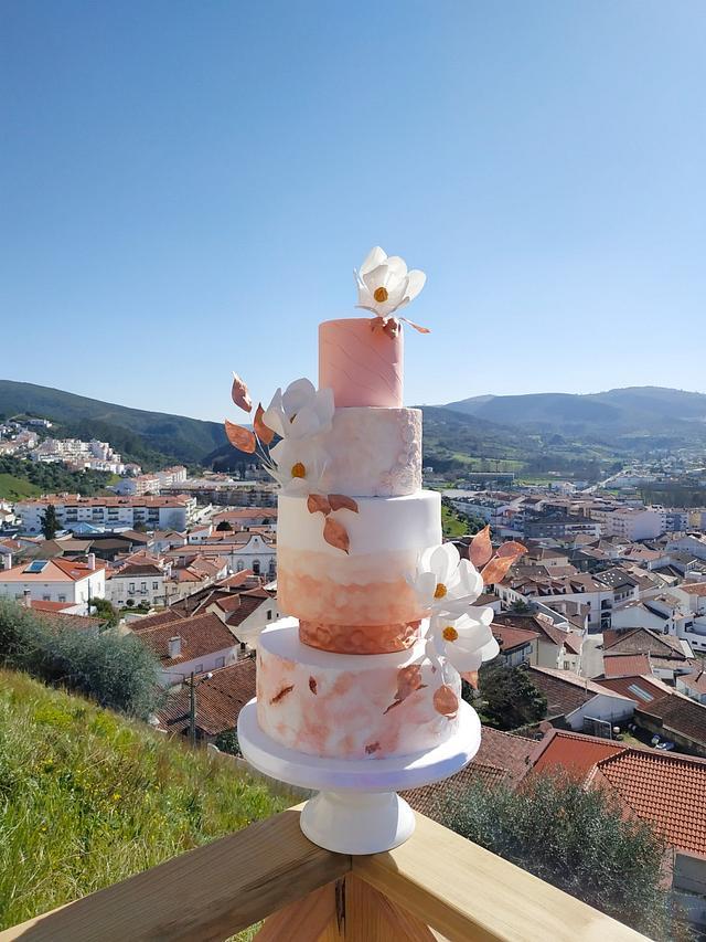 Rose gold & peach wedding cake