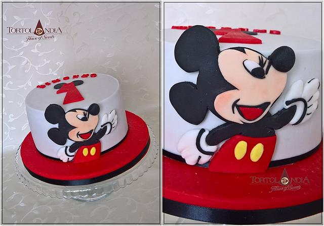 Awesome First Birthday Mickey Mouse Cake By Tortolandia Cakesdecor Personalised Birthday Cards Veneteletsinfo