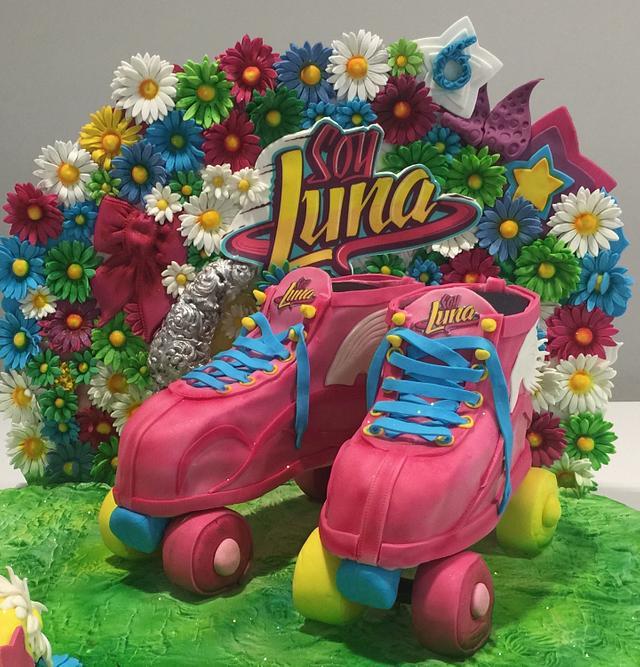 Luna cake