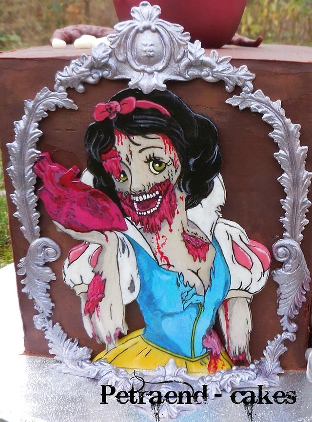Scary Snow White