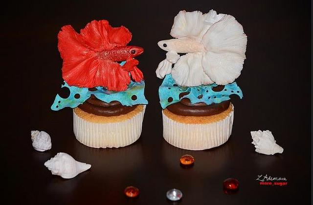 Betta fish cupcakes