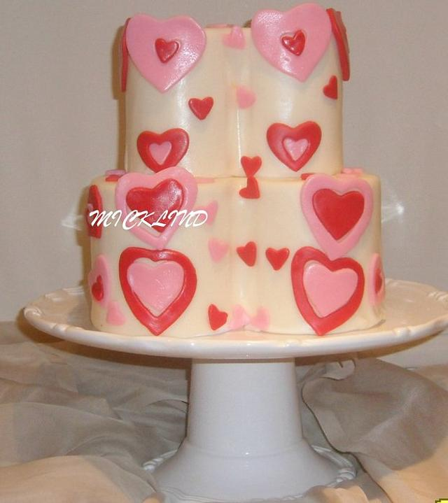 A HEART SHAPED VALENTINES DAY CAKE