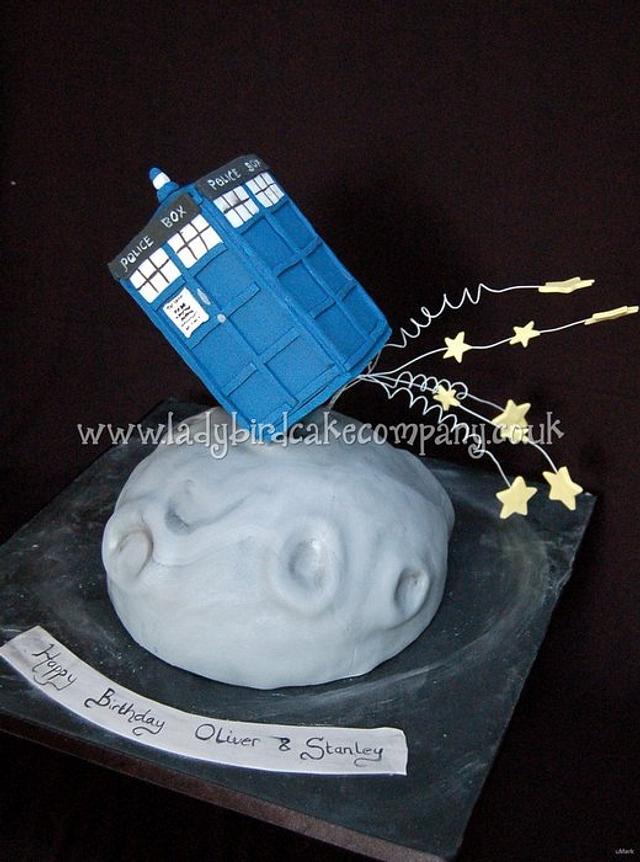 Admirable Dr Who Tardis Birthday Cake Cake By Liz Ladybird Cake Cakesdecor Funny Birthday Cards Online Inifodamsfinfo