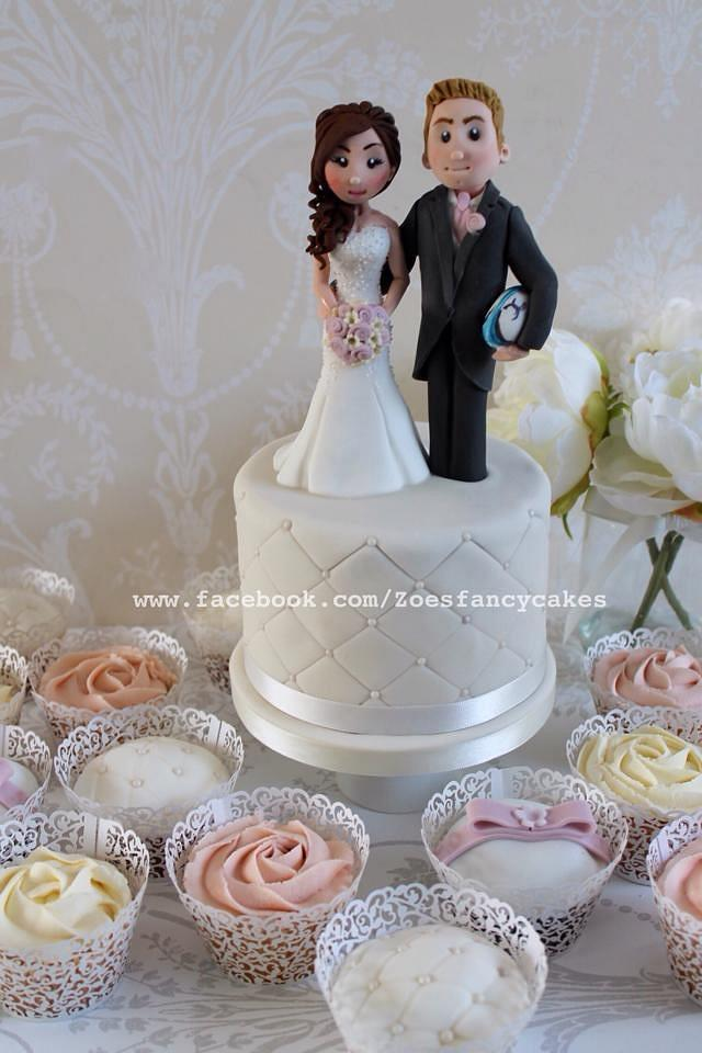Wedding cupcakes and bride and groom
