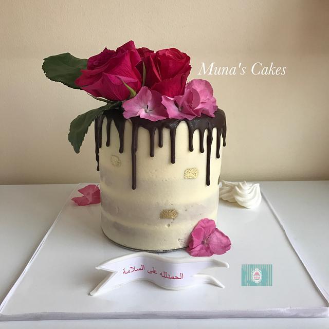 Chocolate drip naked cake