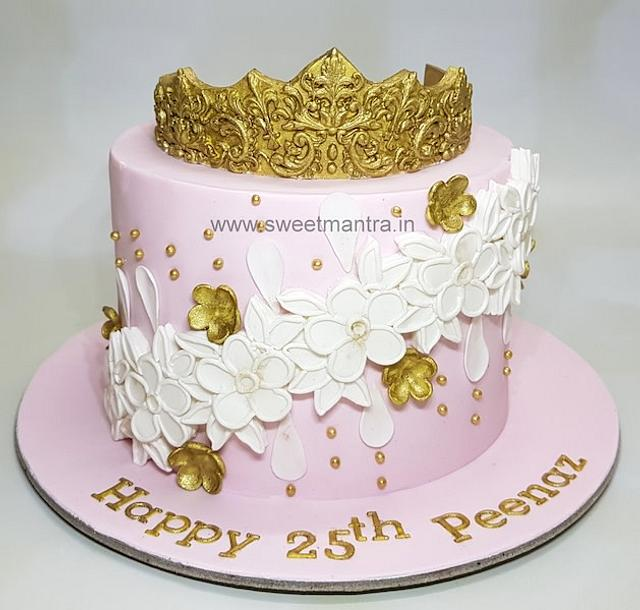 Awesome Queen Theme Customized Cake With Crown For Girlfriends Cakesdecor Funny Birthday Cards Online Alyptdamsfinfo
