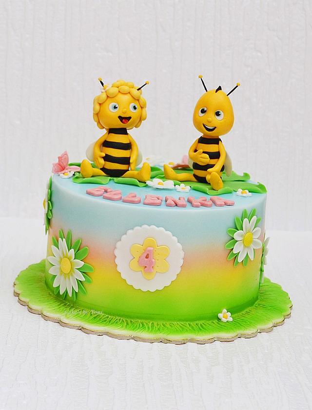 Bee Maya and Willie