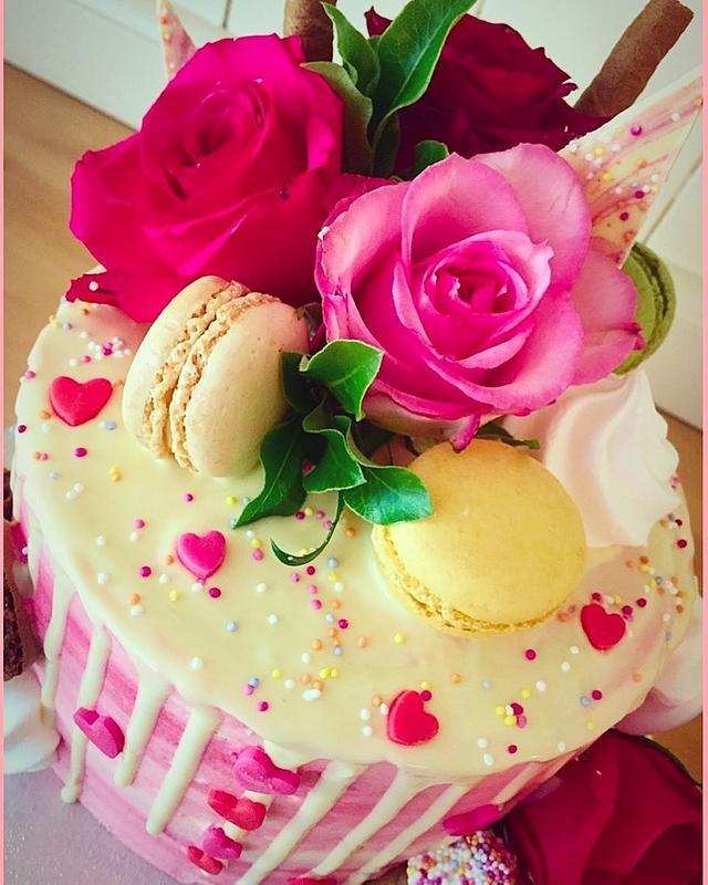 Stunning Pink drip Cake!
