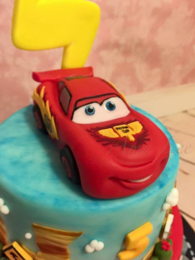 Lighting McQueen cake!