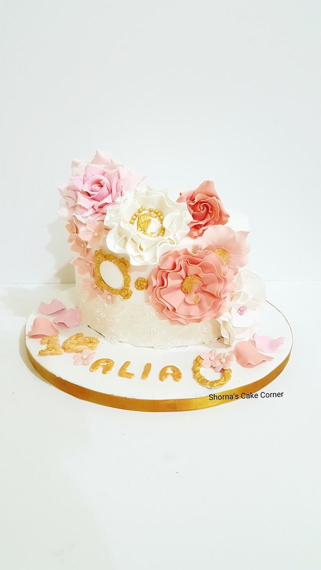 Sweet 16th vintage cake