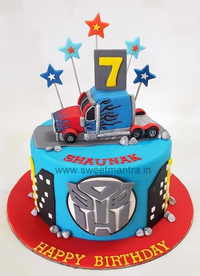 Magnificent Transformers Theme Customised Fondant Cake With 3D Cakesdecor Funny Birthday Cards Online Alyptdamsfinfo
