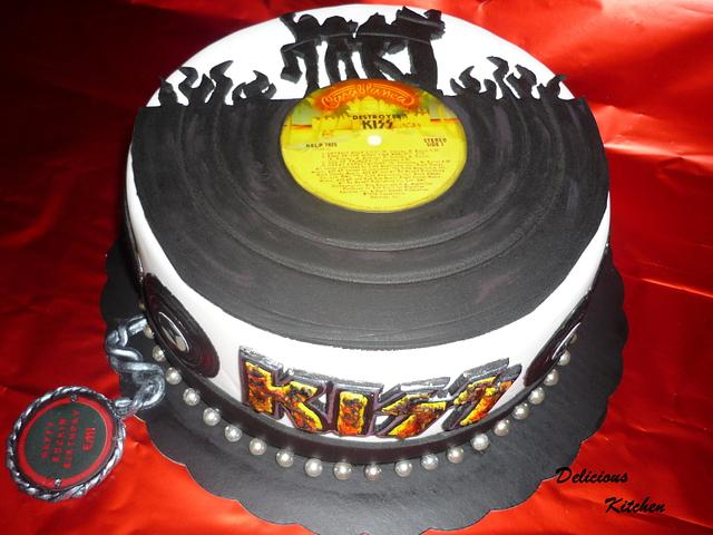 Stupendous Kiss Destroyer Cake Cake By Deliciouskitchen Cakesdecor Funny Birthday Cards Online Overcheapnameinfo