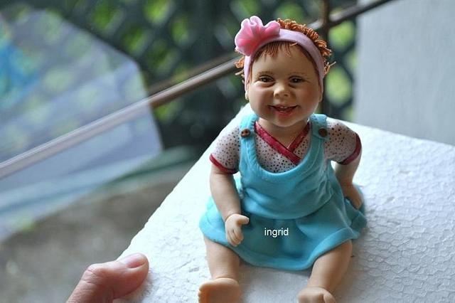 Baby from sugarpaste