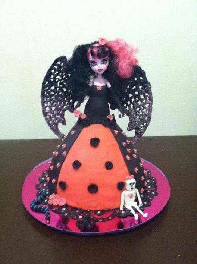 Admirable Monster High Vampire Doll Cake Cake By Sweet Dreams By Cakesdecor Personalised Birthday Cards Sponlily Jamesorg