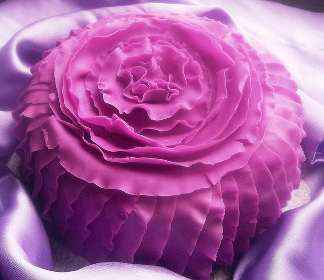 PURPLE PASSION (Frilled Cake)