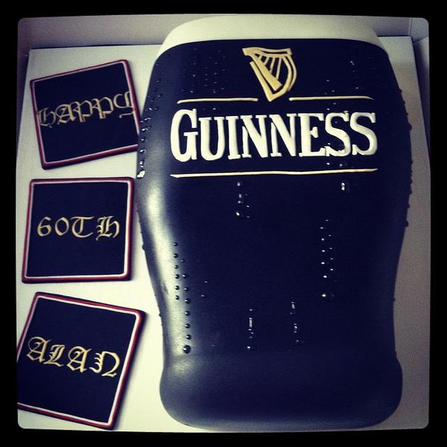 Pint o' Guinness cake