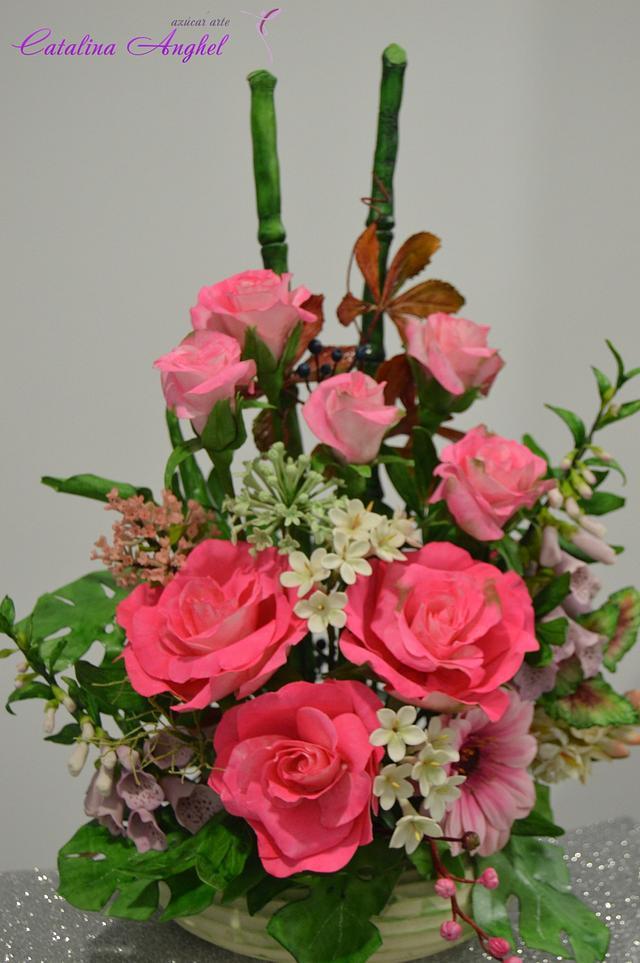 Free Formed sugar flower arrangement