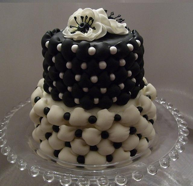 Miniature Tufted Billow Weave Cake