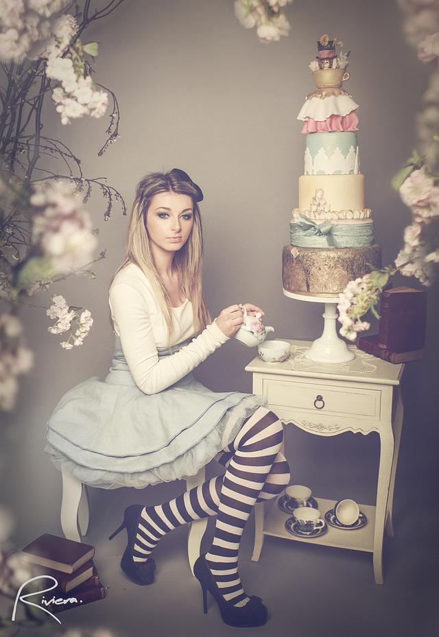 Alice In Wonderland Whoppa Inspired Cake