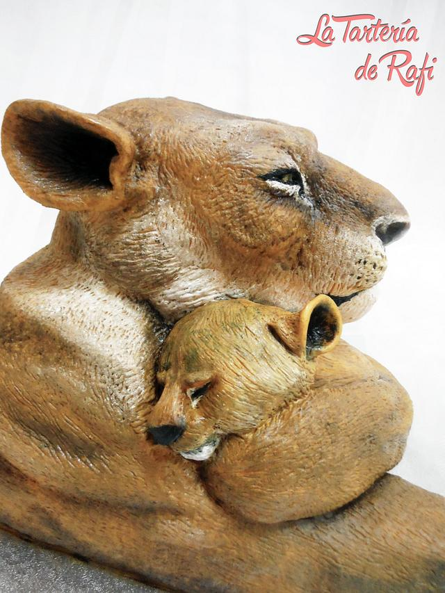 Animals right cake collaboration: lion