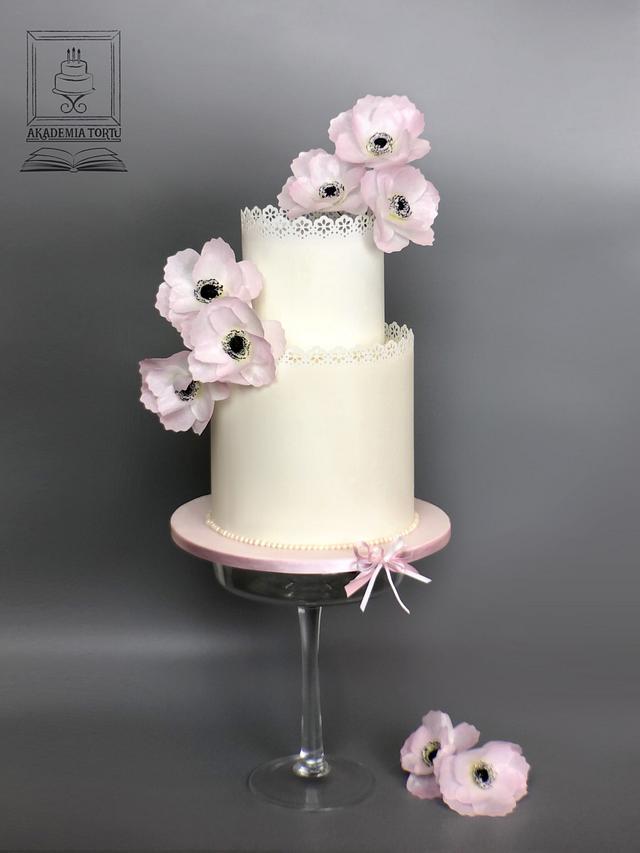 Wafer paper anemone cake