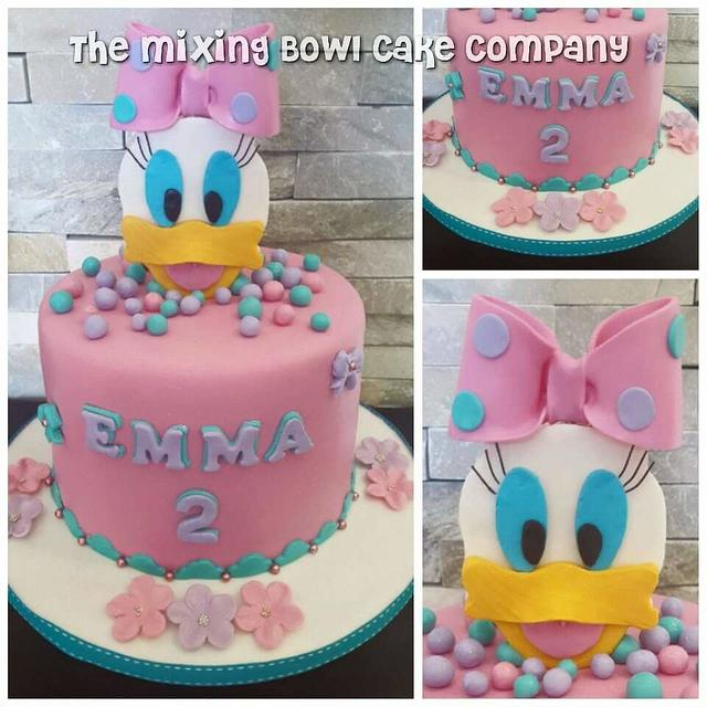 Cool Daisy Duck Cake By The Mixing Bowl Cake Company Cakesdecor Personalised Birthday Cards Paralily Jamesorg