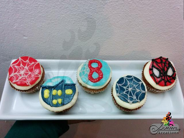 Buttercream Spiderman Cuppies