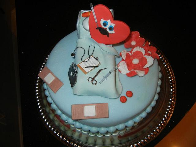 """Mend a Heart"" cake"