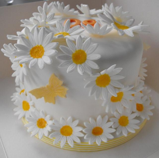 Wondrous Daisy Birthday Cake Cake By Melissas Cupcakes Cakesdecor Funny Birthday Cards Online Elaedamsfinfo