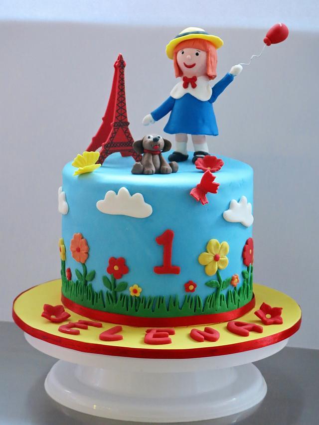 Little girl in Paris
