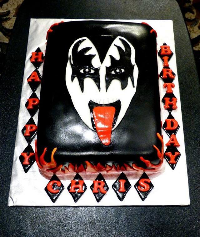 Swell Kiss Birthday Cake Cake By Rockinrattie Cakesdecor Funny Birthday Cards Online Overcheapnameinfo