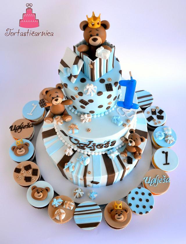 Bears and cookies cake