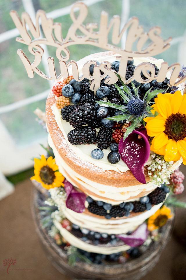 Sunflower naked cake