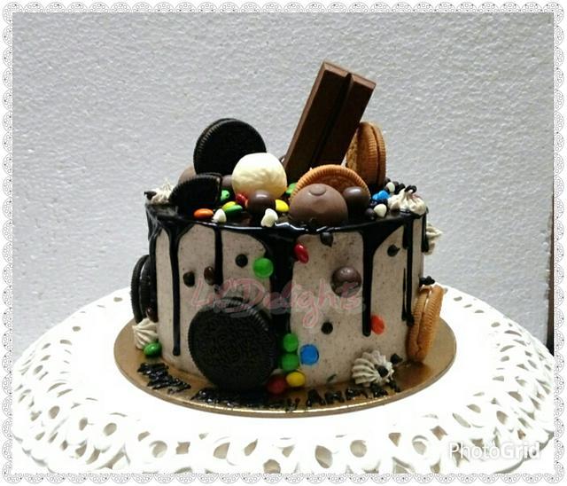 Oreo Drip Cake !