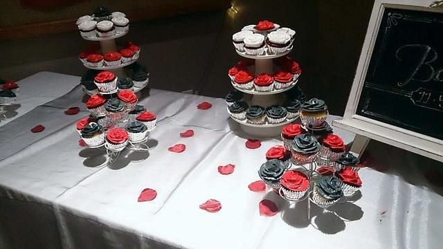 Rose Cake and Rose Cupcakes